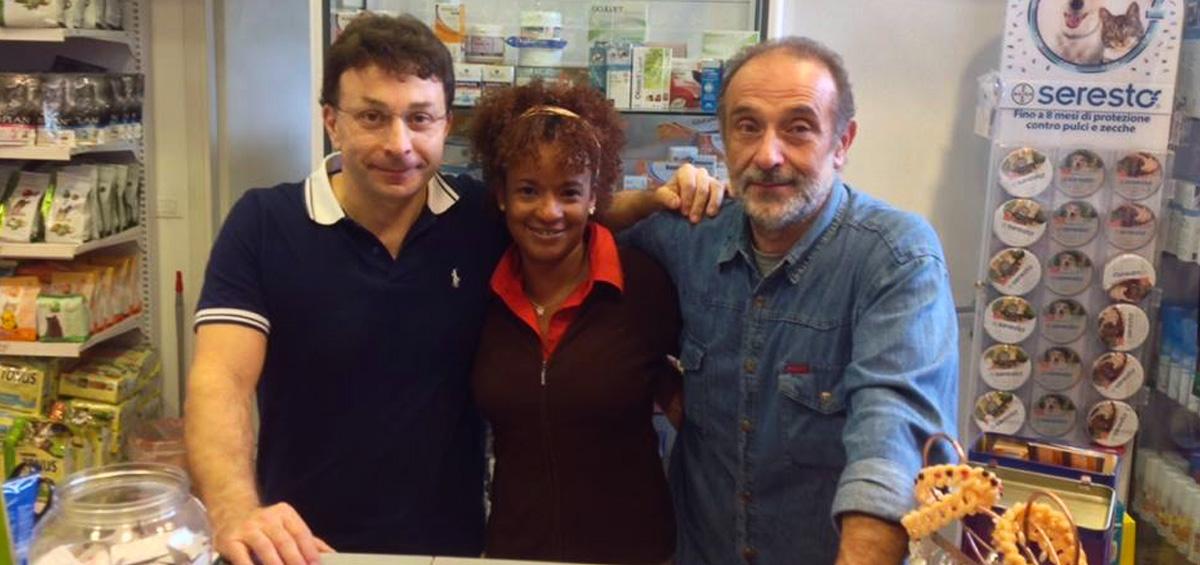 Nella foto puoi vedere chi lavora dentro Mc Fido negozio per animali Firenze